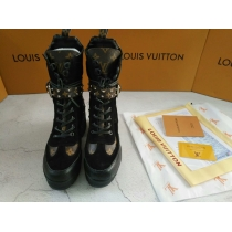 LV Short Boost Women Shoes 0020