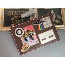 Gucci wallets 090