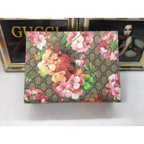 Gucci wallets 094